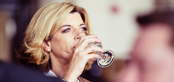 Annabel Smith drinking beer